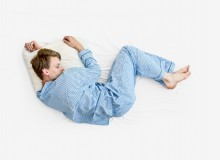 Dormire di lato: posizione semifetale o del cercatore